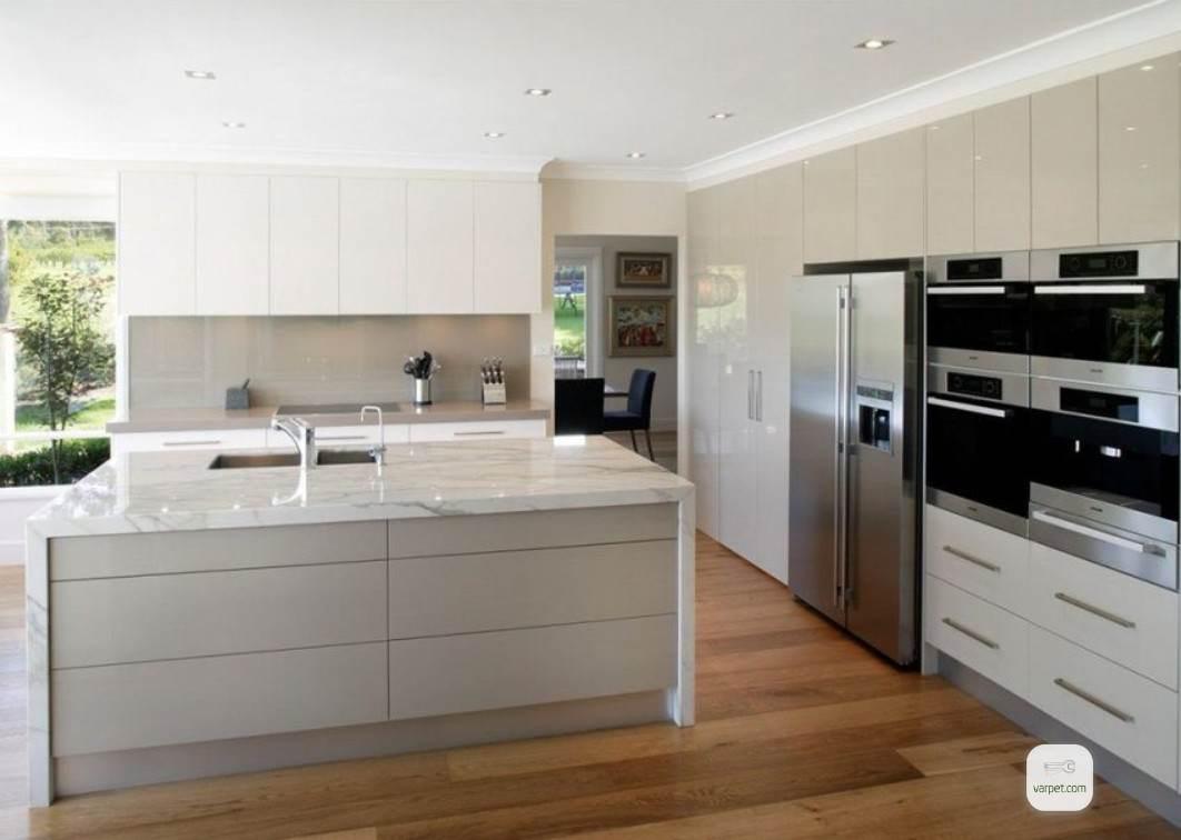 Kitchen laminate floor