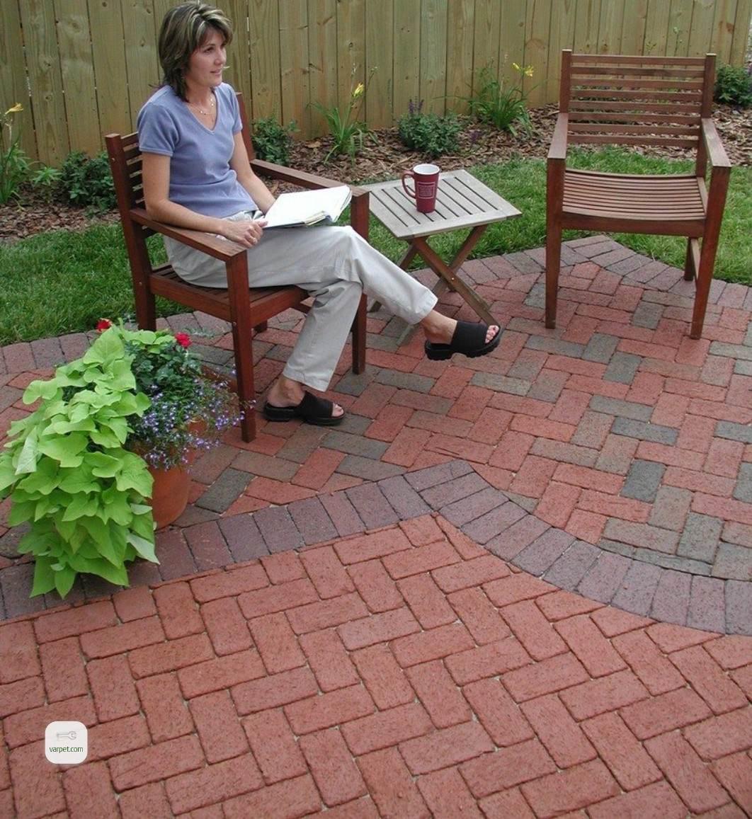 Brick laying tile